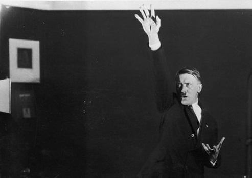 کشف عکسهای مخفی که هیتلر نگذاشت هیچکس ببیند+ تصاویر