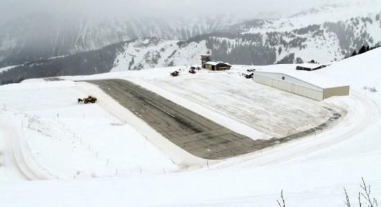 فرودگاهی در ارتفاع ۲۰۰۰ متری ! / عکس