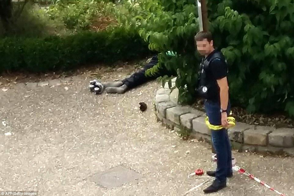 داعش کشیش فرانسوی را سر برید