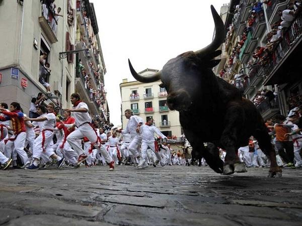 تصاویر/ خطرناک ترین ورزش ها در شگفت انگیزترین مکان های جهان!